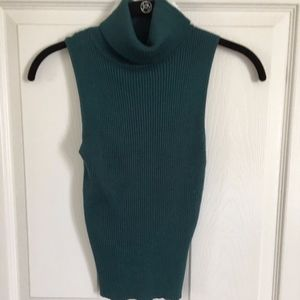 NWOT Kendall & Kylie Green Turtle Neck Sleeveless